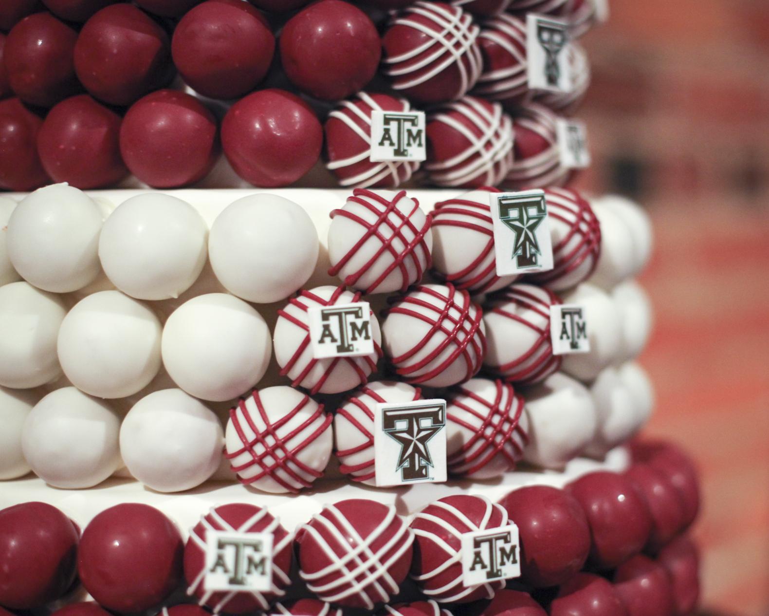 cake-ball-grooms-cake-close-up.jpg
